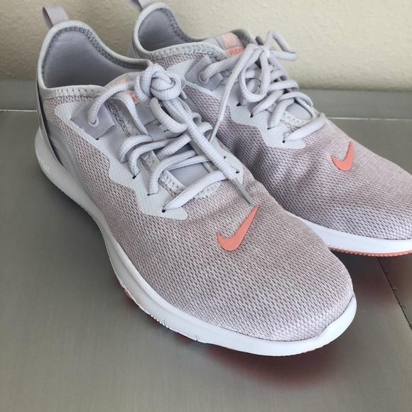 Nike Womens Flex Trainer 9 Sneaker